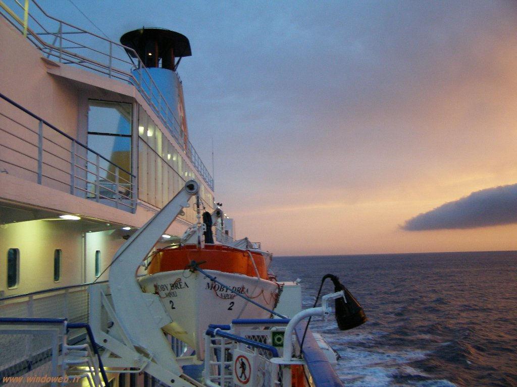 traghetti per la sardegna le prime offerte per chi vuole