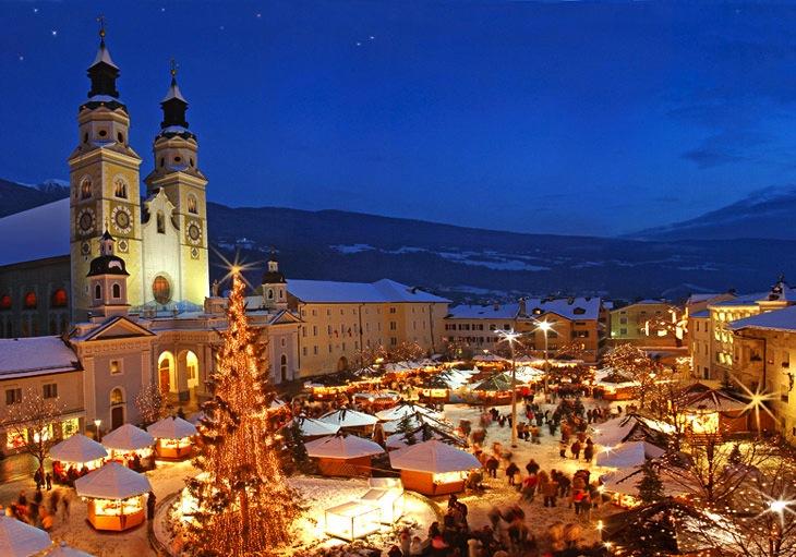 Mercatino di Natale Trentino. Ponte dell'immacolata in Italia