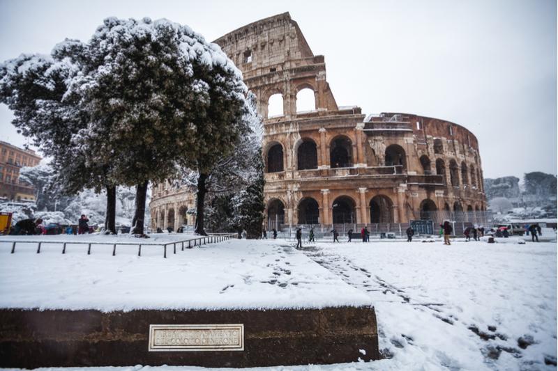 Coloseo imbiancato dalla neve