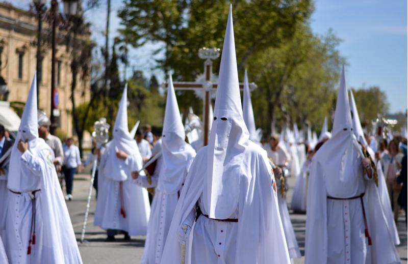 Processioni delle incappucciate a Pasqua